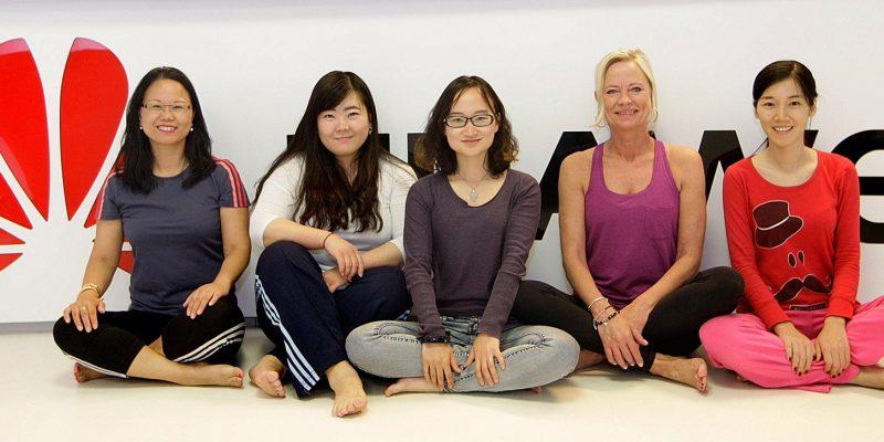 Yogagruppe, Yoga im Headquarter, Firmenzentrale   Auftraggeber:  Han Zhang / 张函  han.zhang1@huawei.com +49 176 70706946  HUAWEI TECHNOLOGIES Deutschland GmbH Hansaallee 205 40549 Duesseldorf, Germany